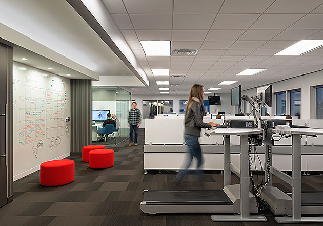 Outsell office design gallery the best offices on the for Office design 2014