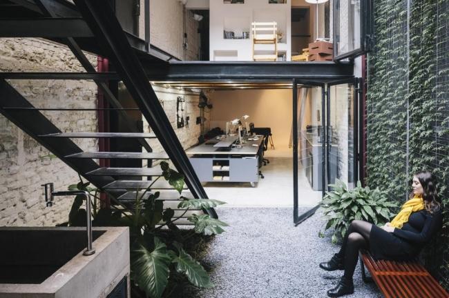 Produtora Kana office design by AR Arquitetos