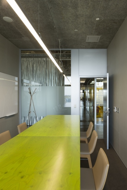 Kashiwa-no-ha Innovation Lab Shared Office Design by Naruse Inokuma Architects