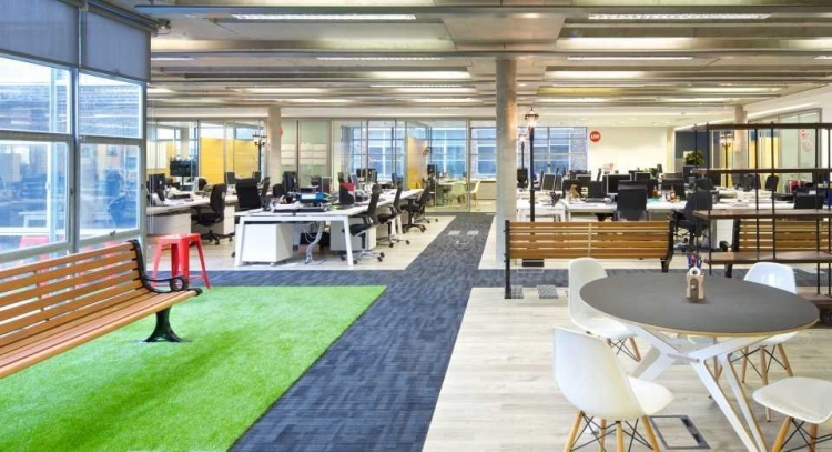 IPG Media Brands Office Design