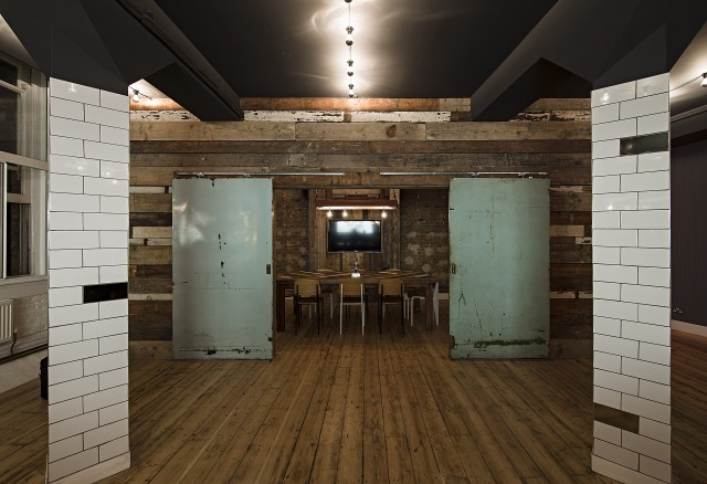 Future Deluxe Office Design by 44th Hill