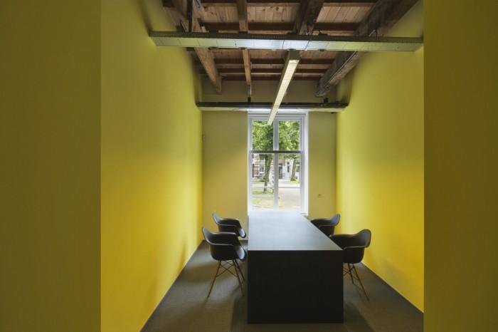 Born 05 Utrecht Office Design