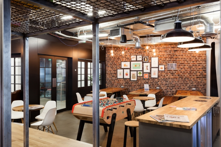 Essence Digital Office Design